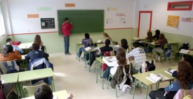 profesores en clase   Internet