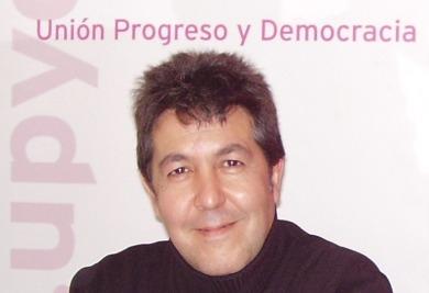 Emilio Saez de Guinoa (UPYD)   Redacción