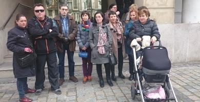 Afectados Levalta frente al los juzgados   Redacción