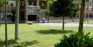 Alcaste, Colegio   Redacción