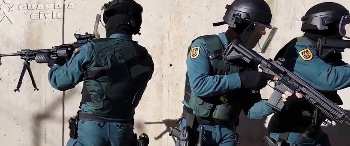 Agredidos a palos y botellazos nueve guardias civiles de Logroño en ...