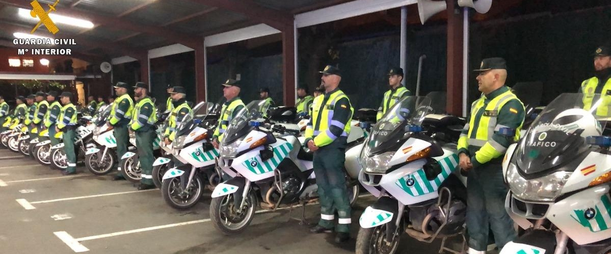 Motoristas de la Guardia Civil